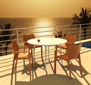 Design terrasstoel VIVA uit oranje kunststof - Alterego Design